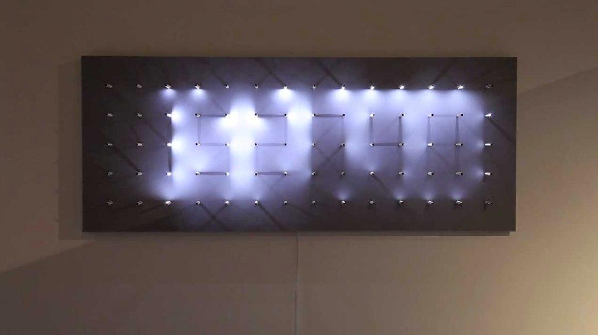 【アート】光と影の巧妙なコントロール!!影が描き出すデジタル時計のインスタレーション。 @onFilters