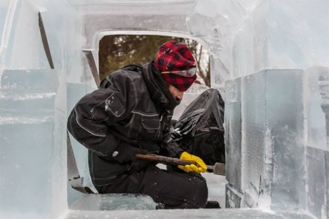 Driveable-Truck-made-of-Ice1-640x427