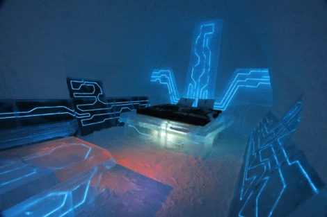 Ice-Hotel-Tron-Legacy-Suite-3