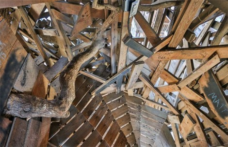 Inside-the-Worlds-Biggest-Tree-House5-640x415