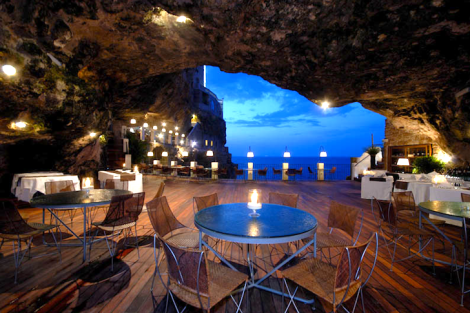 The-Summer-Cave-Restaurant-Italy-1