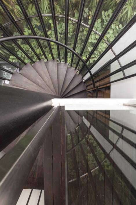 16-Stairwell-600x900