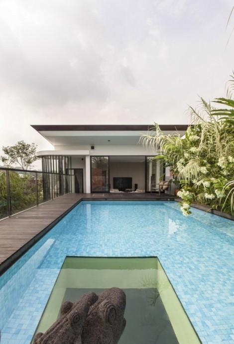 19-Poolside-deck-600x882