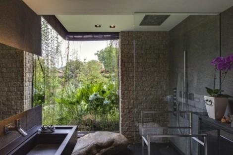 21-Contemporary-bathroom-600x400