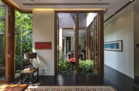 5-Courtyard-600x393