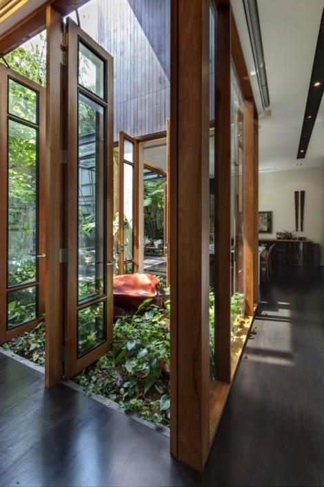 6-Inner-courtyard-600x900