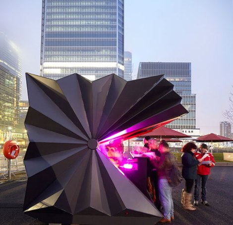 Folded-Metal-Kiosks-1