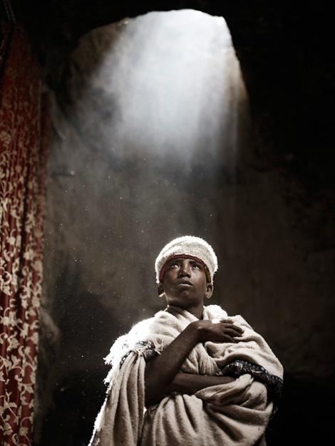 Holy-Men-Of-India12