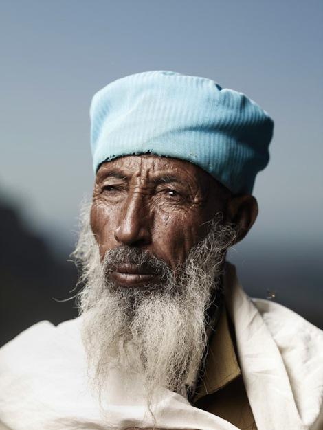 Holy-Men-Of-India13