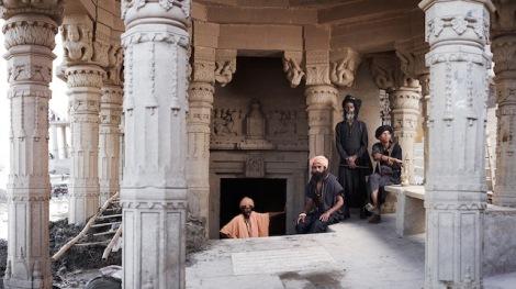 Holy-Men-Of-India18