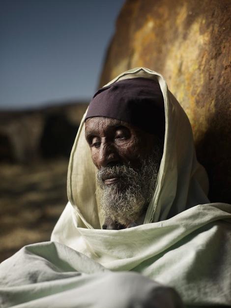 Holy-Men-Of-India3