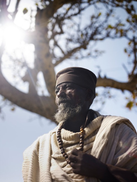 Holy-Men-Of-India4