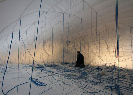 NumenFor-Use-creates-3D-grid-of-ropes-inside-inflatable-installation_dezeen_11