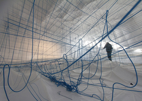 NumenFor-Use-creates-3D-grid-of-ropes-inside-inflatable-installation_dezeen_12