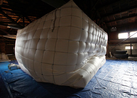NumenFor-Use-creates-3D-grid-of-ropes-inside-inflatable-installation_dezeen_13