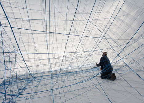 NumenFor-Use-creates-3D-grid-of-ropes-inside-inflatable-installation_dezeen_15