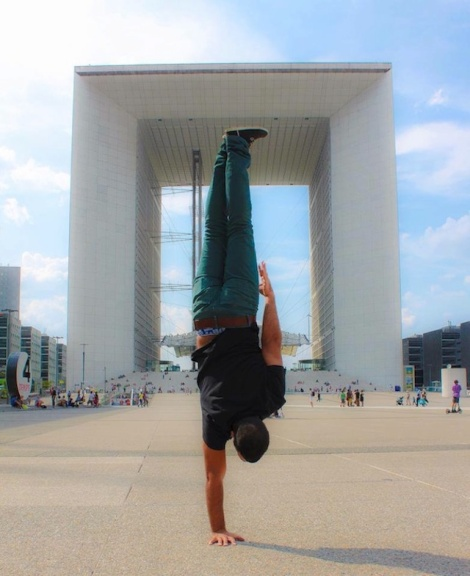 Breakdancer-at-Famous-Paris-Landmarks-16