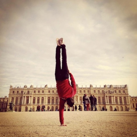 Breakdancer-at-Famous-Paris-Landmarks-19