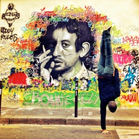 Breakdancer-at-Famous-Paris-Landmarks-20
