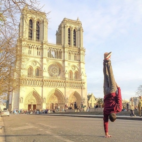 Breakdancer-at-Famous-Paris-Landmarks-22
