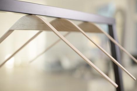 Cliq-Premium-hangers-by-Flow-Design_dezeen_5