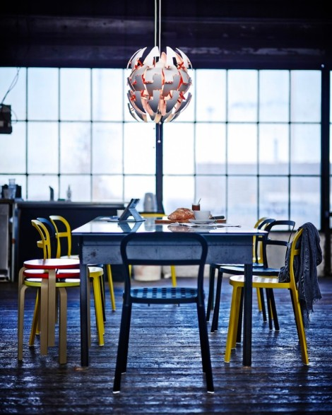 IKEA-Exploding-Pendant-Lamp-Death-Star-over-Dining-Table-819x1024