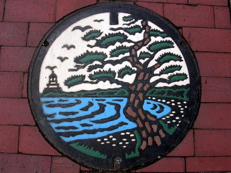Japanese-manhole-cover-art-14