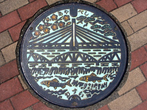 Japanese-manhole-cover-art-18
