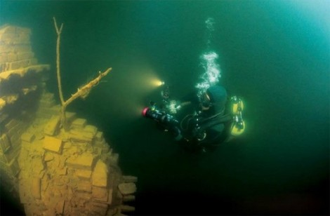 Lost-City-found-Underwater-in-China-7-640x420