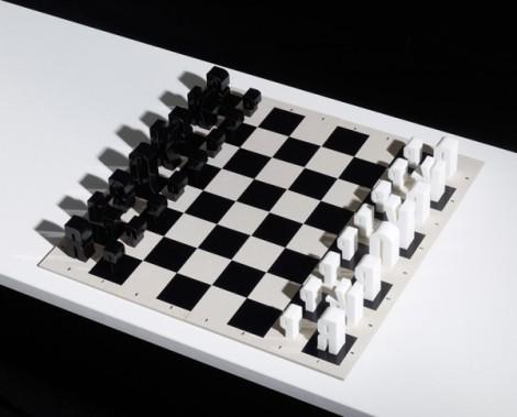 10-Letterform-chess-set-600x485