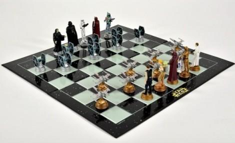 14-Star-Wars-chess-set-600x366