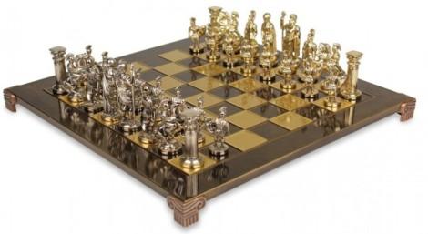 18-Roman-style-chess-pieces-600x329