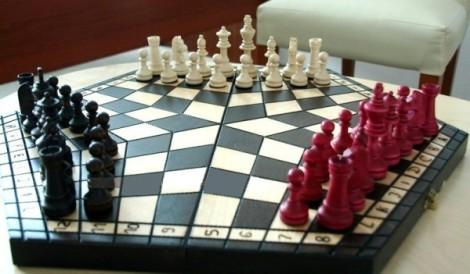 20-Hexagonal-4-player-chess-set-600x351