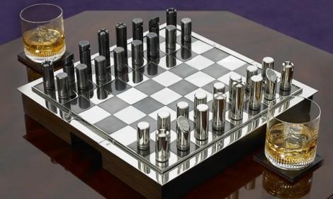 5-Ralph-Lauren-chess-set-600x361