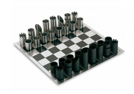 6-Philippe-tubular-chess-pieces-600x422