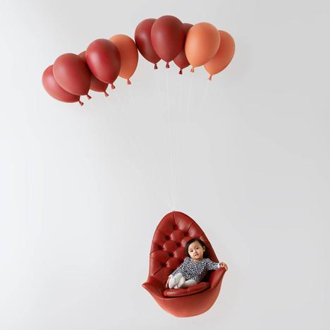 Balloon-Chair-by-h220430_dezeen_1sq