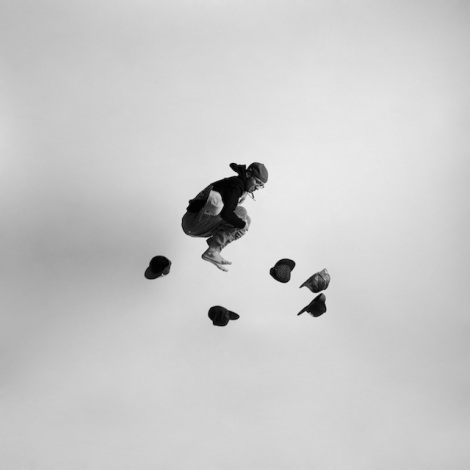 Black-and-white-jumping-people-photography-5
